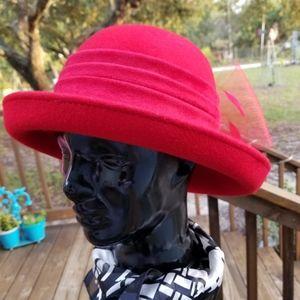Ladies Red ❤ Hat  Society 💬